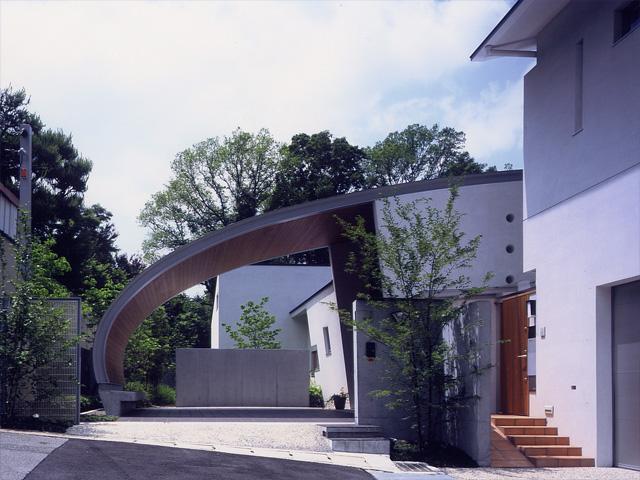 京の高台の家~暖かいモダニズム